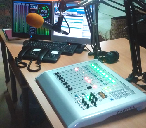 AZOT RADIO ON THE ISLAND OF REUNIÓN, CHOOSES AEQ CAPITOL IP CONSOLE