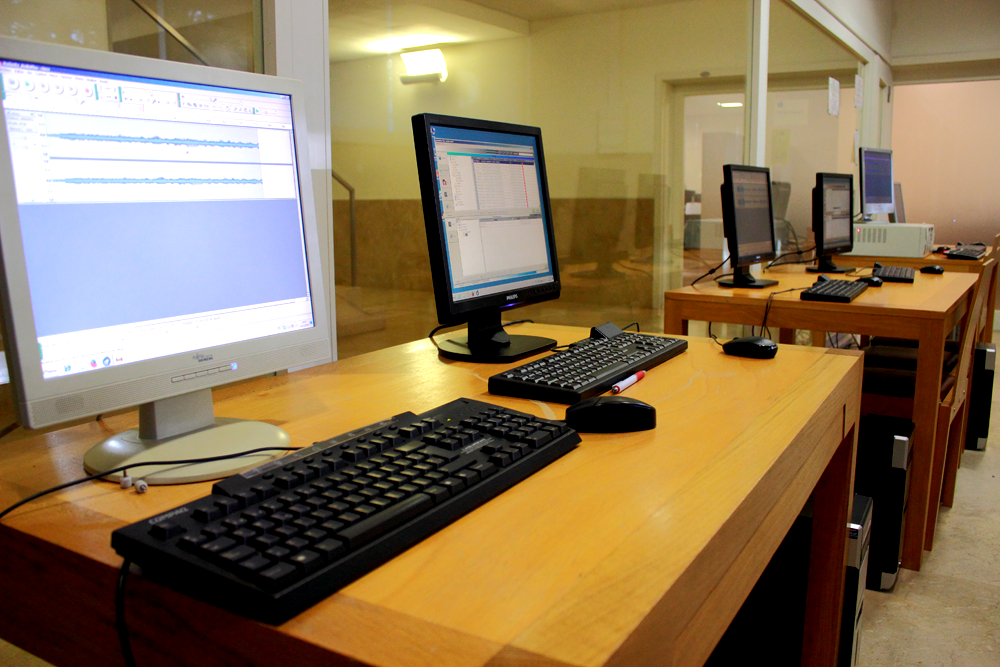 6 workstation in the main editorial office,  equipped with AudioPlus A+mini